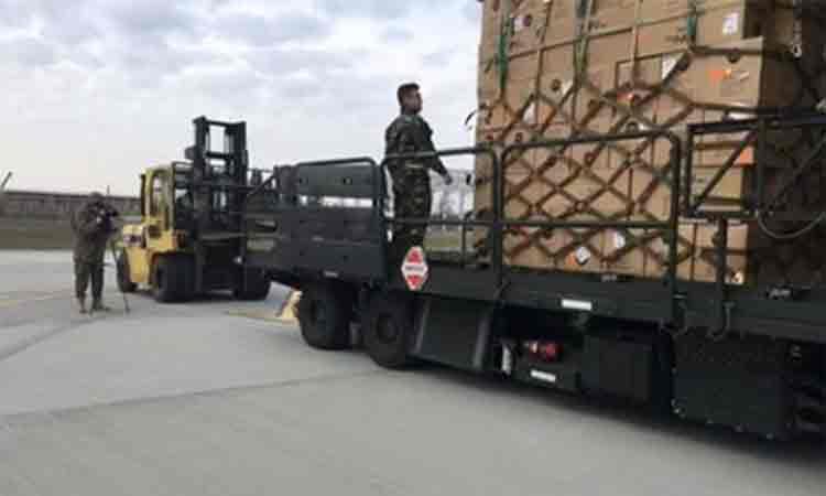 45-de-tone-de-echipament-medical-au-ajuns-pe-aeroportul-Otopeni