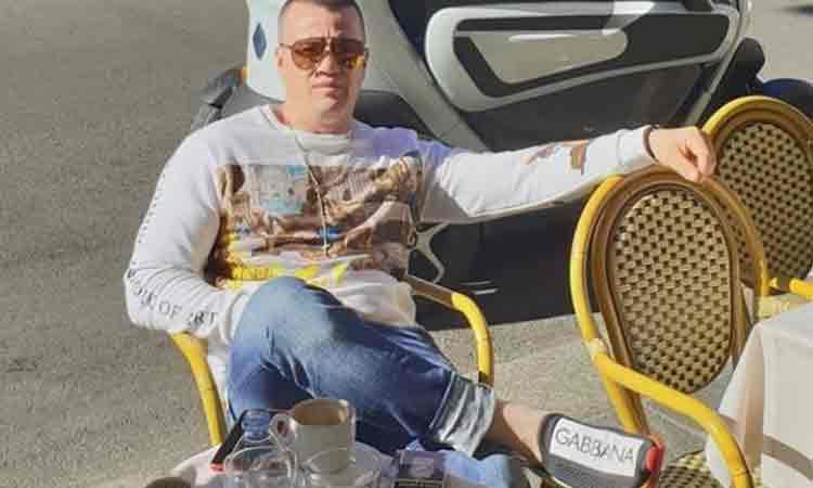 """Barbatul venit de la Milano, in fata caruia au stat drepti 5 politisti, a iesit din autoizolarea de la domiciliu: """"Se fereste lumea de mine pe strada! Cand ies din bloc, vecinii sare gardu' si fug"""""""