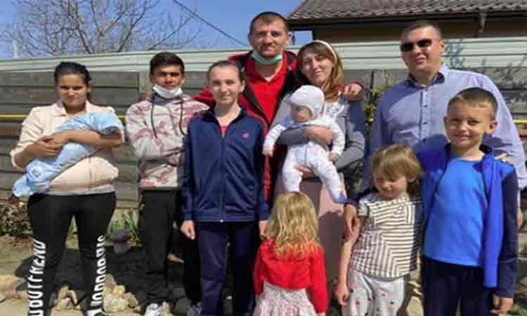 Viata i s-a schimbat complet dupa ce a fost prins cu calul in centrul Iasiului! Morosanu anunta ca Sergiu și familia lui au o casă a lor.
