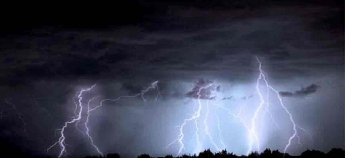 Grindina si furtuni puternice lovesc Romania. Alerta de vreme severa emisa de ANM. Zonele afectate