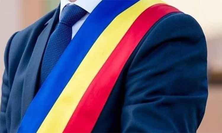 Bihor: 175 de consilieri locali si primari din judet si-au pierdut mandatele intr-o singura zi