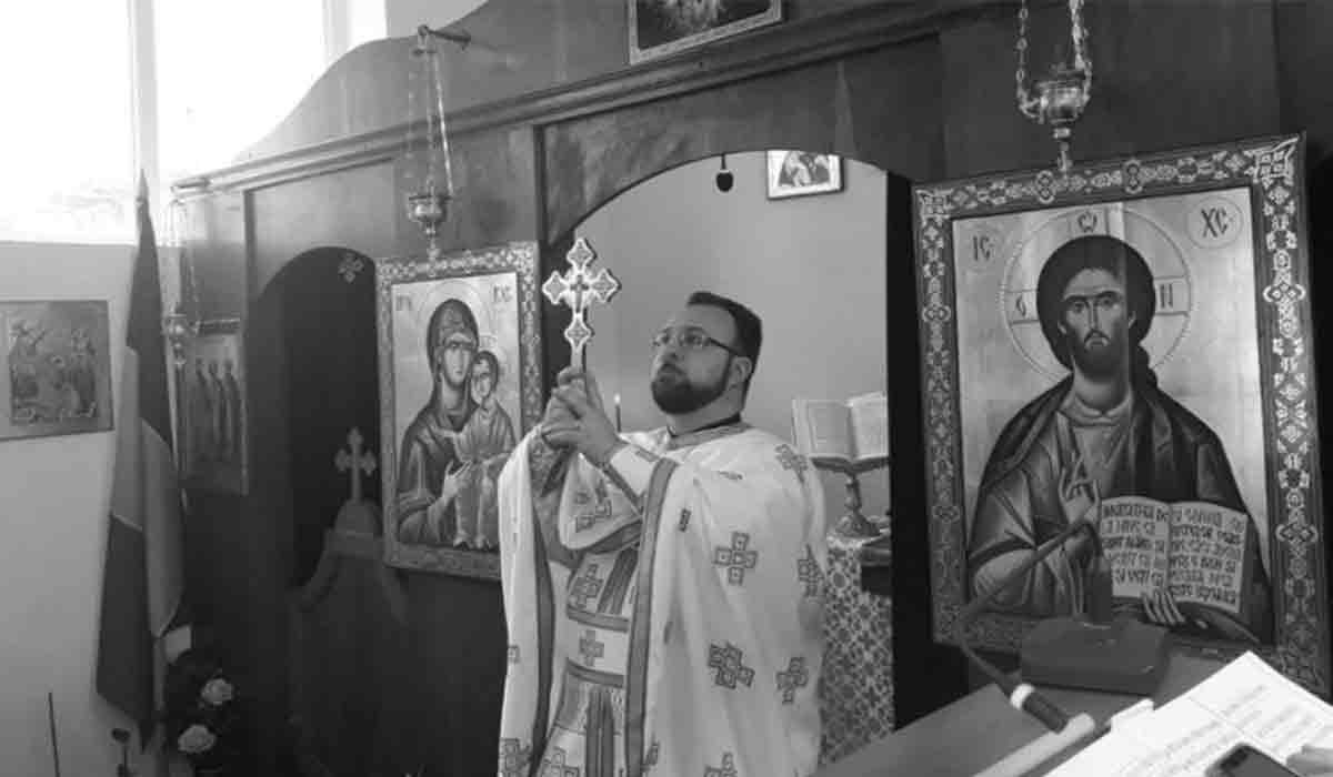 Doliu in Biserica Ortodoxa din Romania. S-a stins la doar 37 de ani. Trei copilasi au ramas orfani de tata