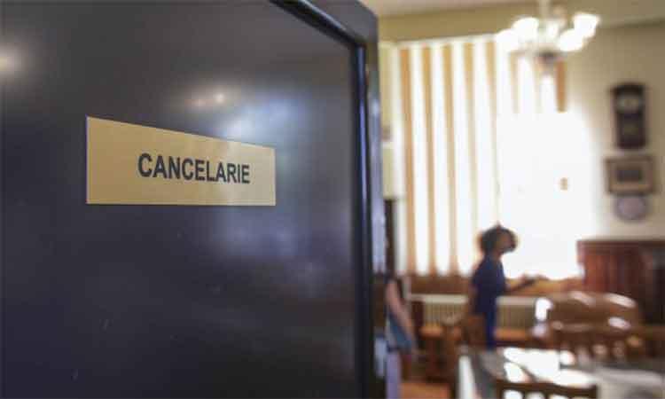 Profesorii cu boli cronice se tem sa revina la catedra