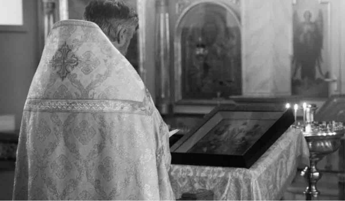 Un preot din Satu Mare, decedat din cauza noului virus, inmormantat de familia gresita. Cum s-a ajuns la asa ceva