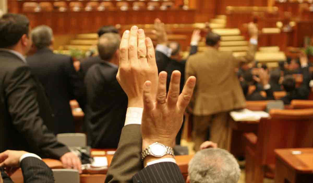 Votul final din parlament! Pensiile cresc cu 40%, nu cu 14% cat a anuntat Guvernul
