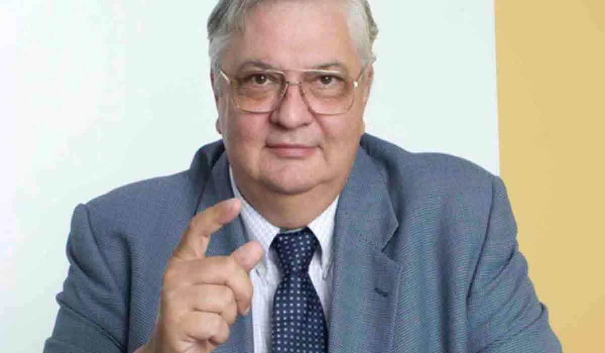 "Mircea Cosea: ""Suntem nimeni, ca altceva n-avem"""
