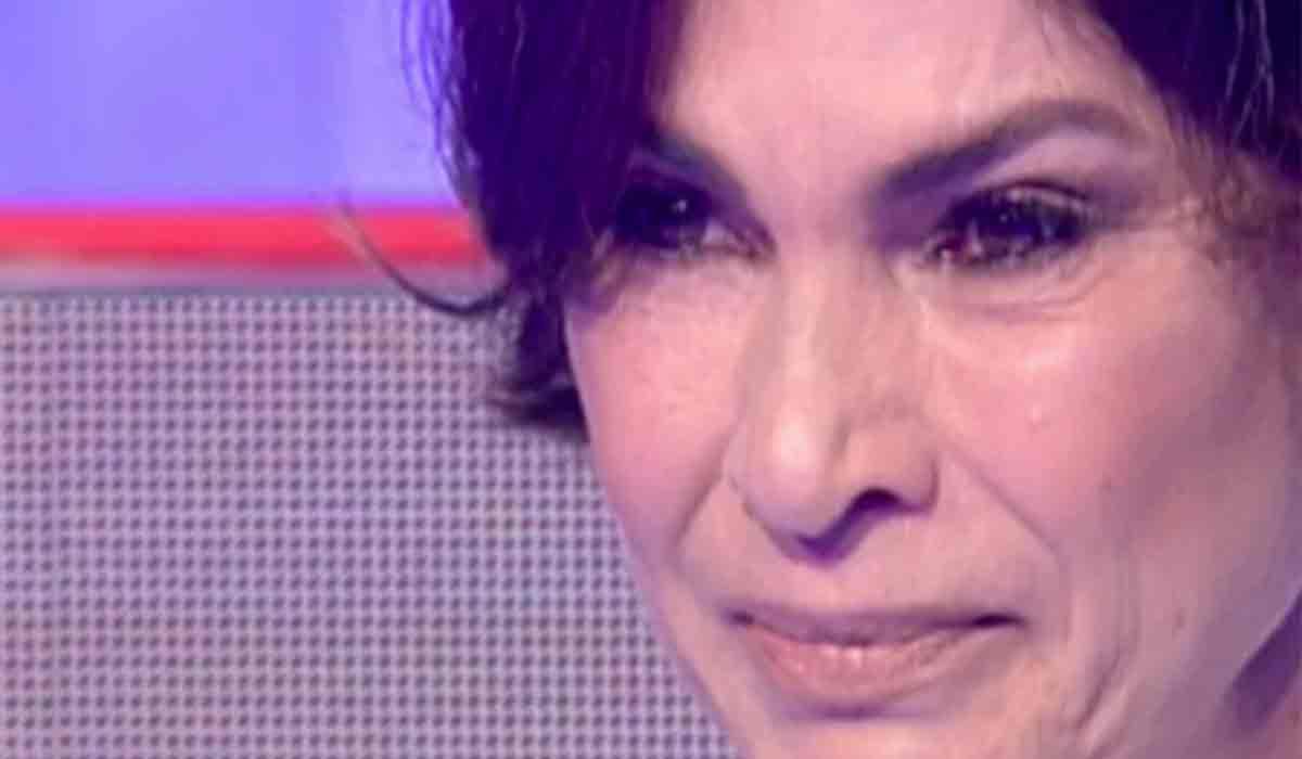 """Ramona Badescu, in lacrimi: """"Traim cu frica"""""""