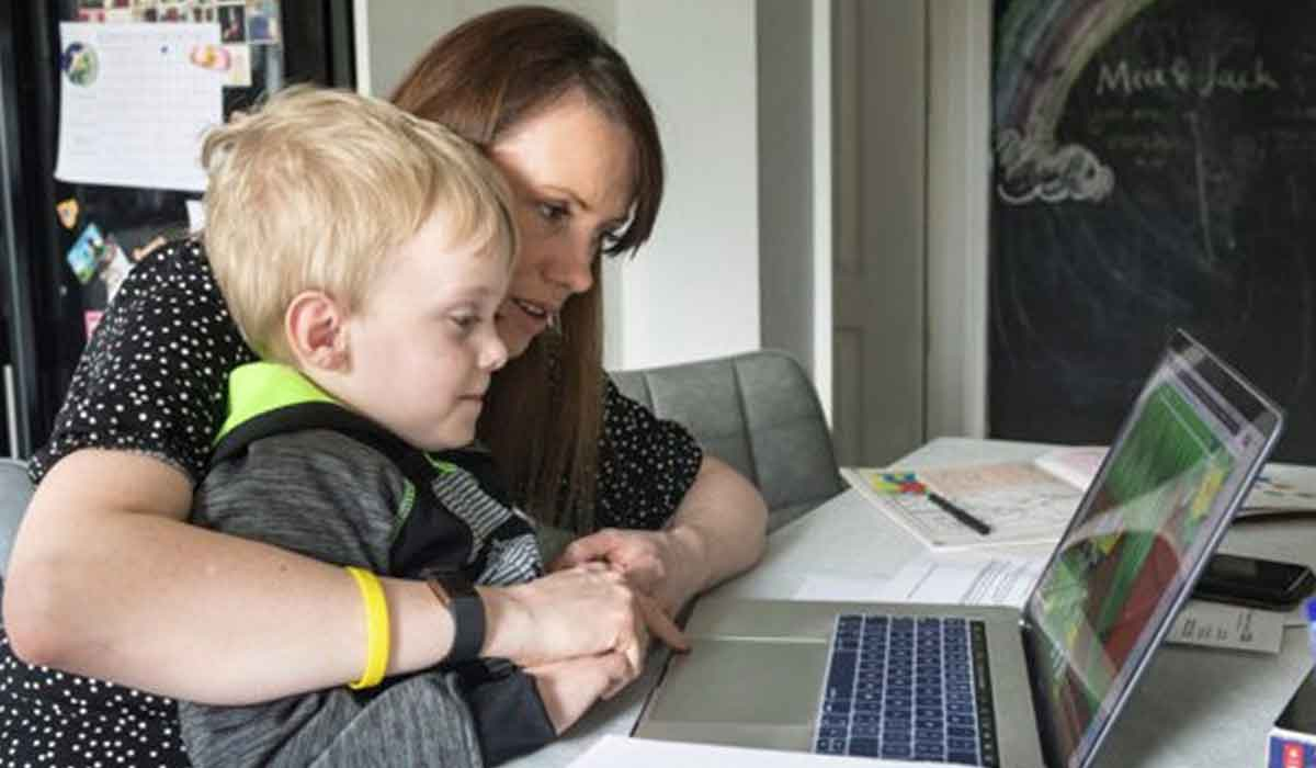 Ajutor de la stat pentru parintii nevoiti sa stea acasa cu cei mici