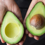 Cum sa iti prepari singur acasa uleiul de avocado