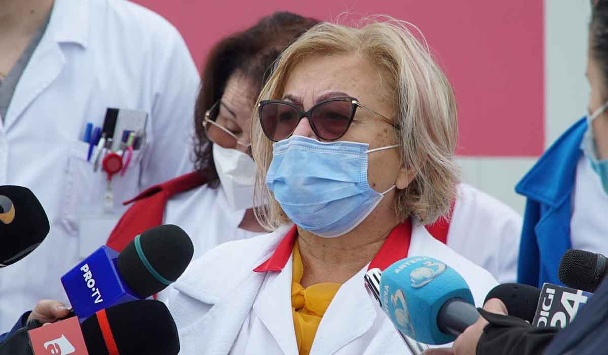 """Dr. Carmen Dorobat, avertizeaza: """"S-au schimbat momentele de aparitie ale simptomelor, nu se mai pastreaza aceleasi reguli"""""""