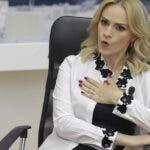 """Gabriela Firea, acuzatii grave la adresa lui Nicusor Dan: """"Puneti mana pe carte si pe treaba"""""""