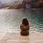 Sa fii singur  este mai bine decat  cu cineva care nu te merita