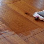 Curatarea parchetului – cum se curata usor si eficient podeaua din lemn