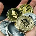 Achizitionarea si stocarea de bitcoin