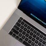 Noile Apple MacBook Pro-uri vor avea un design cu margini plate, MagSafe si vor pierde bara tactila