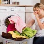 5 moduri eficiente de a scapa de mirosurile neplacute de pe haine