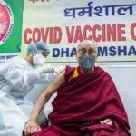 Dalai Lama a primit prima doza de vaccin impotriva COVID