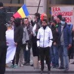 "Peste o mie de protestatari sunt in fata Guvernului: ""In Piata gasiti o larga reprezentare a poporului roman"""