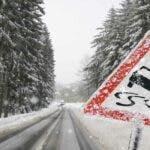 Vremea intoarce foaia. Ninsorile lovesc Romania. Meteorologii anunta cod galben