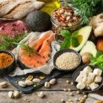 10 alimente care te ajuta sa fii mai sanatos